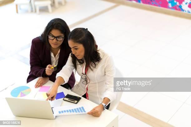 Business-Frau-Meeting