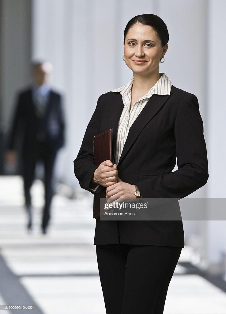 Business woman smiling, portrait : Stockfoto