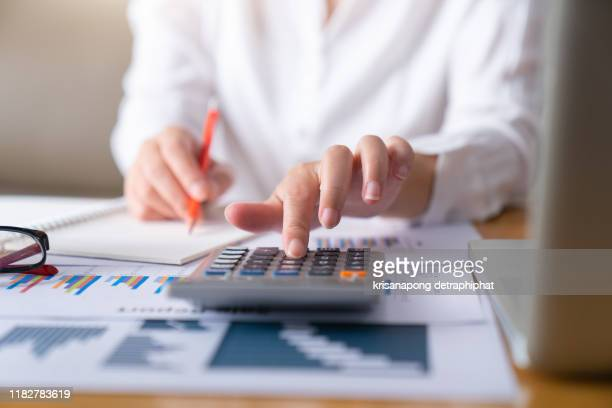 business woman thinking account,account,accounting - finanzen stock-fotos und bilder