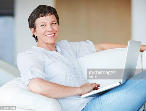 Business-Frau mit laptop zu Hause