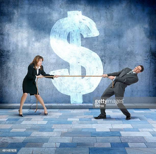 ビジネスマンやビジネスウーマンの戦争がタグ