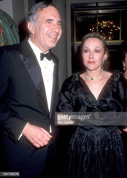Businessman Carl Icahn and wife Liba Icahn attend the Boys' Town of Italy's 44th Annual Ball of the Year Gala on April 7 1989 at WaldorfAstoria Hotel...