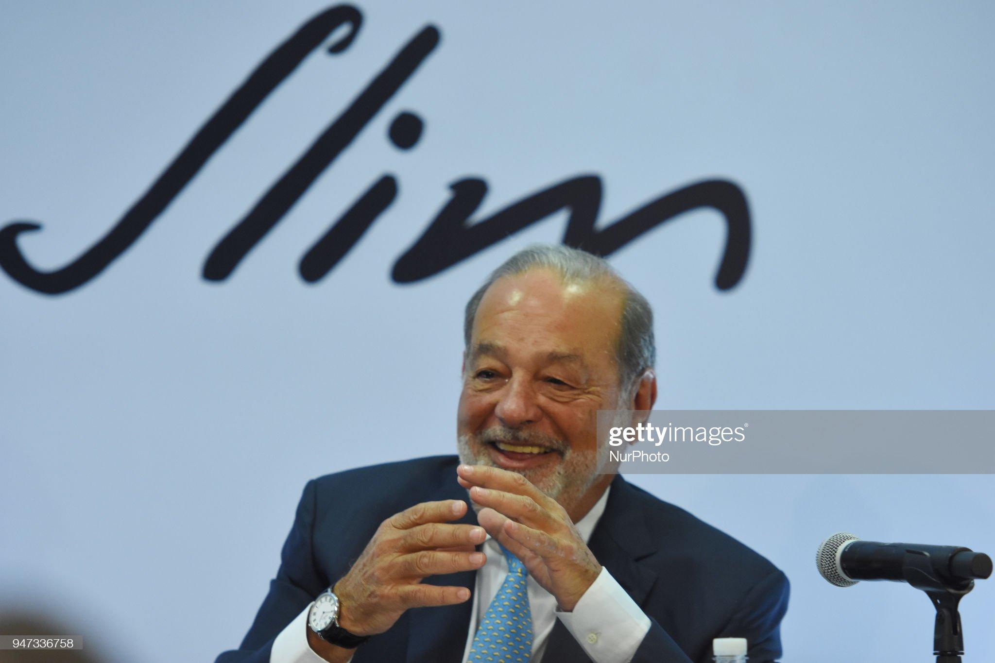 America Movil SAB Chairman Emeritus Carlos Slim Holds Press Conference : Fotografía de noticias