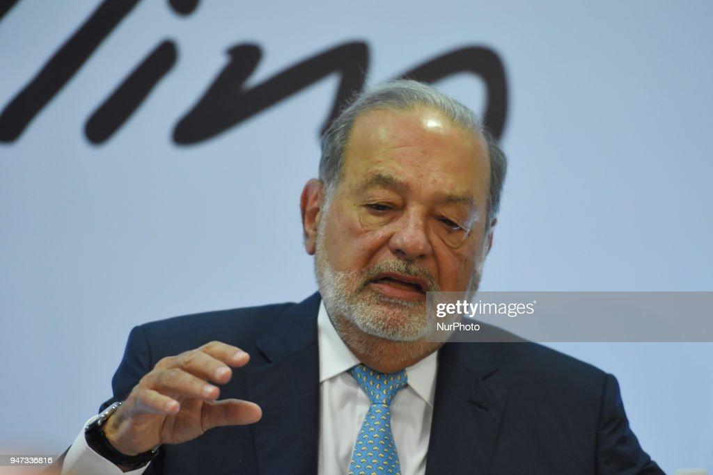 America Movil SAB Chairman Emeritus Carlos Slim Holds Press Conference : Nieuwsfoto's