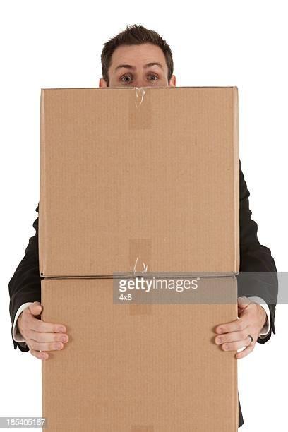 Geschäftsmann, tragen cardboard box