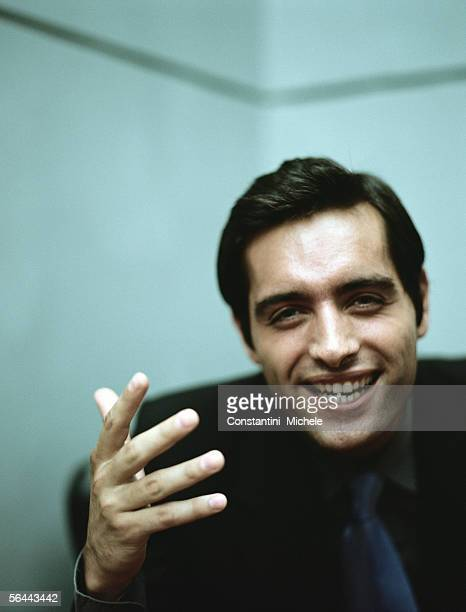 businessman gesturing, portrait - con man stock photos and pictures