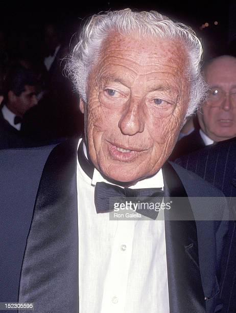 Businessman Gianni Agnelli attends the Elie Wiesel Foundation for Humanity's Humanitarian Award Salute to HM King Juan Carlos of Spain on October 7...