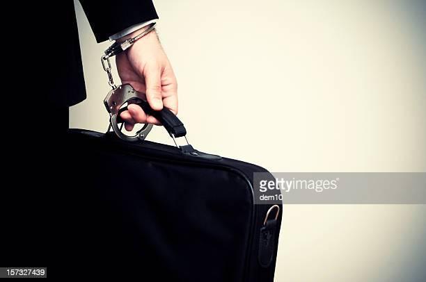 Geschäftsmann Aktentasche handcuffed,
