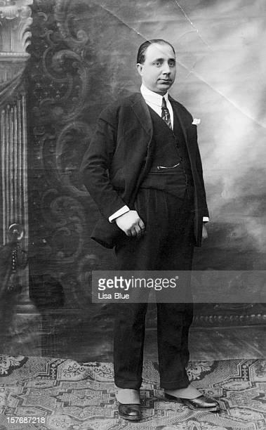 Geschäftsmann im Jahr 1920, schwarz und weiß.