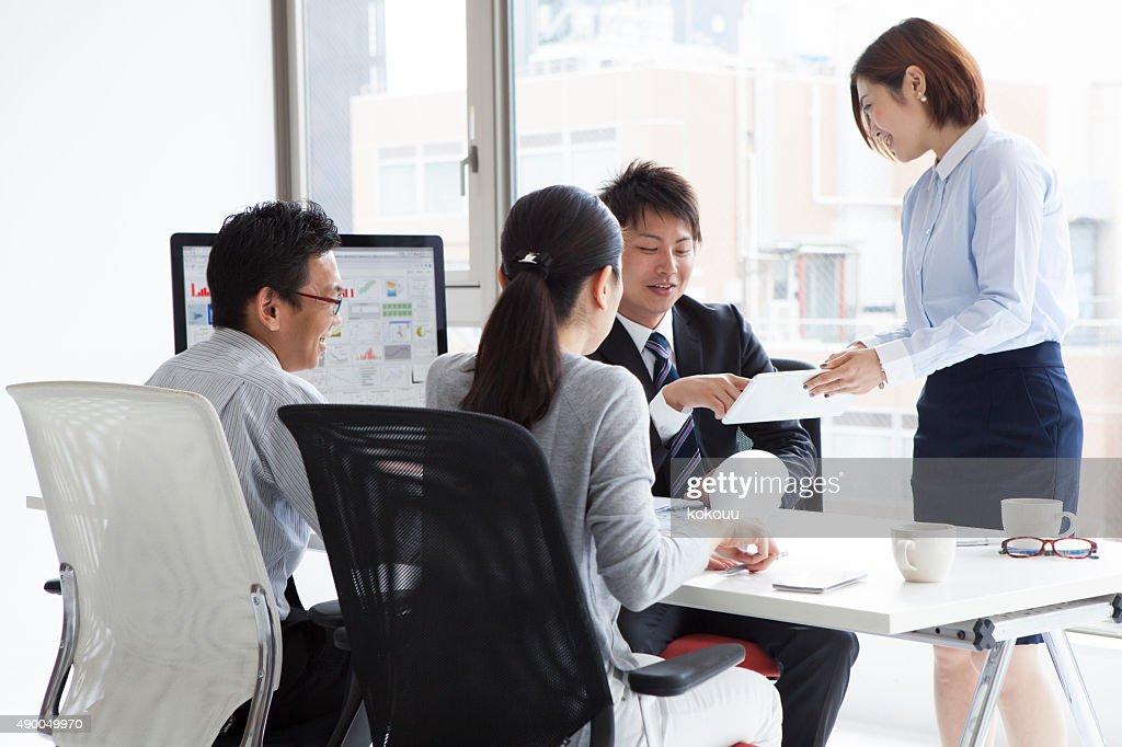 ビジネスマンのミーティング : ストックフォト