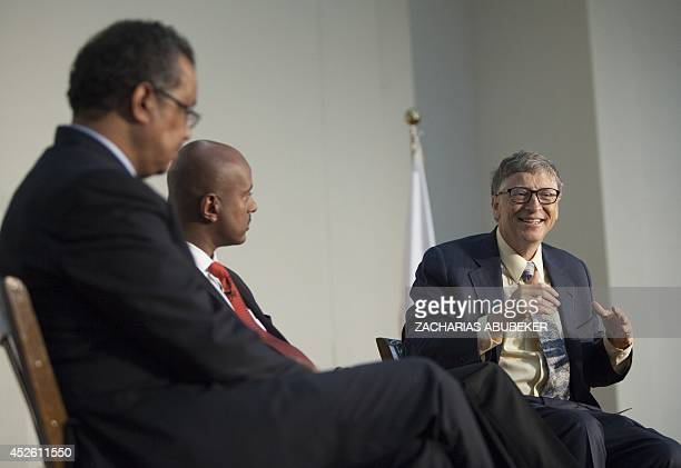 US businessman inventor and philanthropist Bill Gates cochair of Bill and Melinda Gates Foundation speaks to the audience after receiving an...