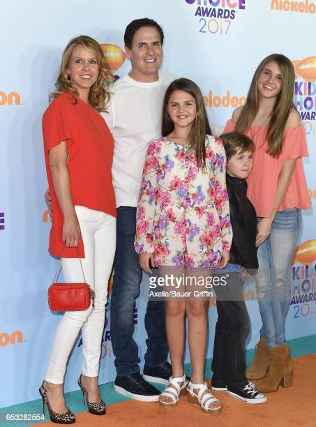 Businessman Mark Cuban wife Tiffany Stewart daughters Alyssa Cuban Alexis Sofia Cuban and son Jake Cuban arrive at Nickelodeon's 2017 Kids' Choice...