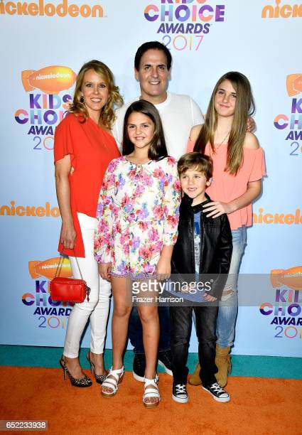 Businessman Mark Cuban with Tiffany Stewart and Alyssa Cuban Alexis Sofia Cuban and Jake Cuban at Nickelodeon's 2017 Kids' Choice Awards at USC Galen...