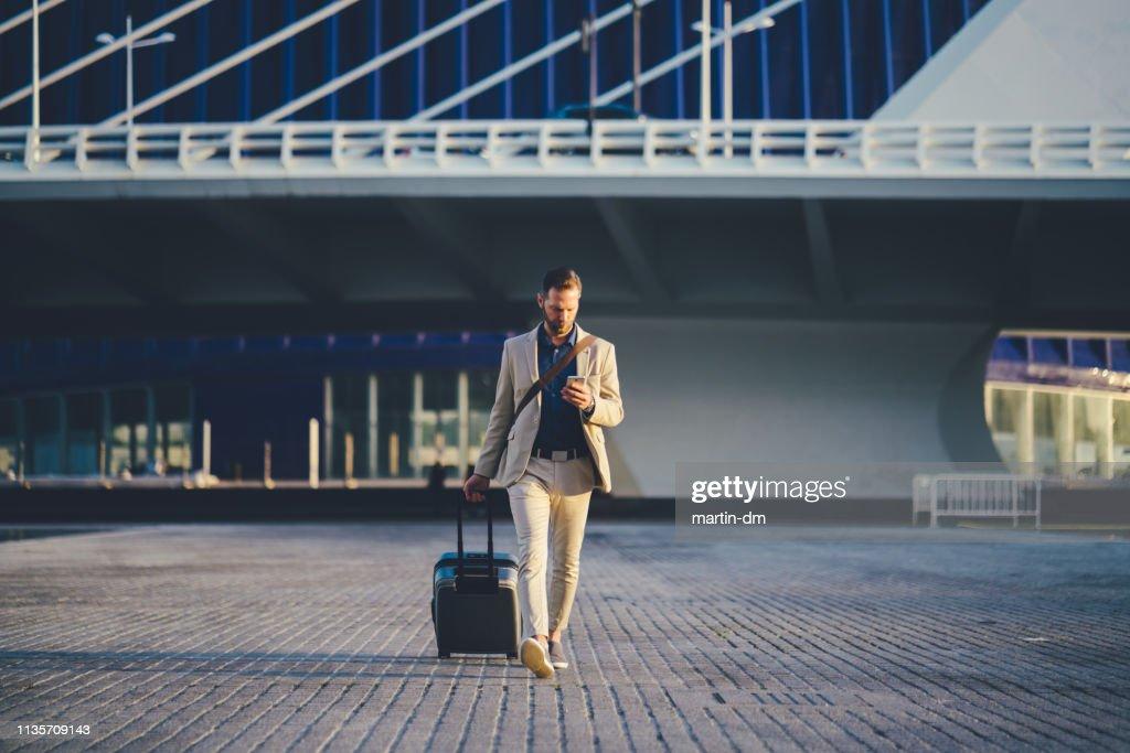 Empresario en viaje de negocios en España : Foto de stock