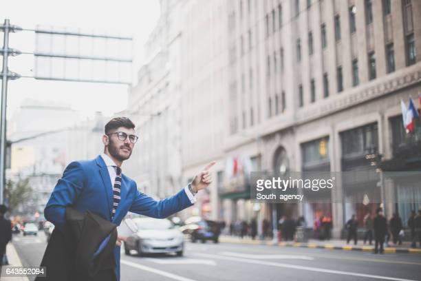 Geschäftsmann auf die Straße