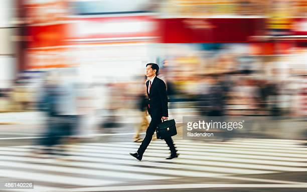 ビジネスマン歩行者