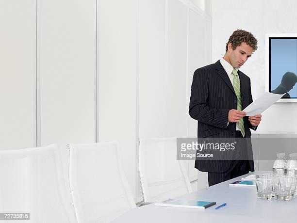 Geschäftsmann Vorbereitung für Tagung