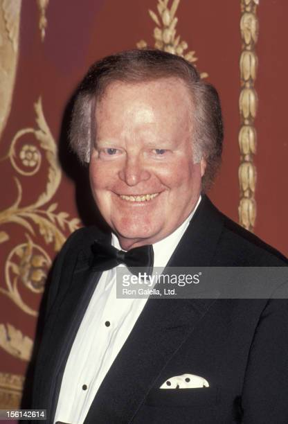 Businessman Roone Arledge attends Museum of the Moving Image Salute to Barbara Walters on March 19 1992 at the Americnan Museum of the Moving Image...