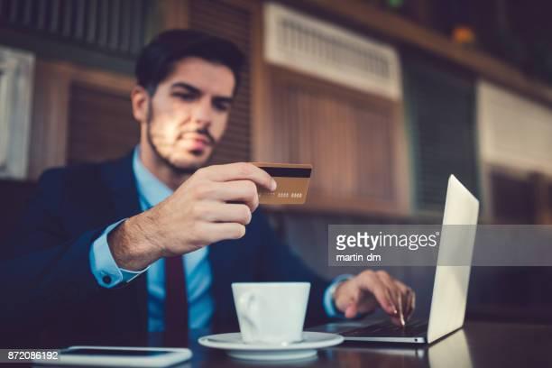 Geschäftsmann, online-shopping