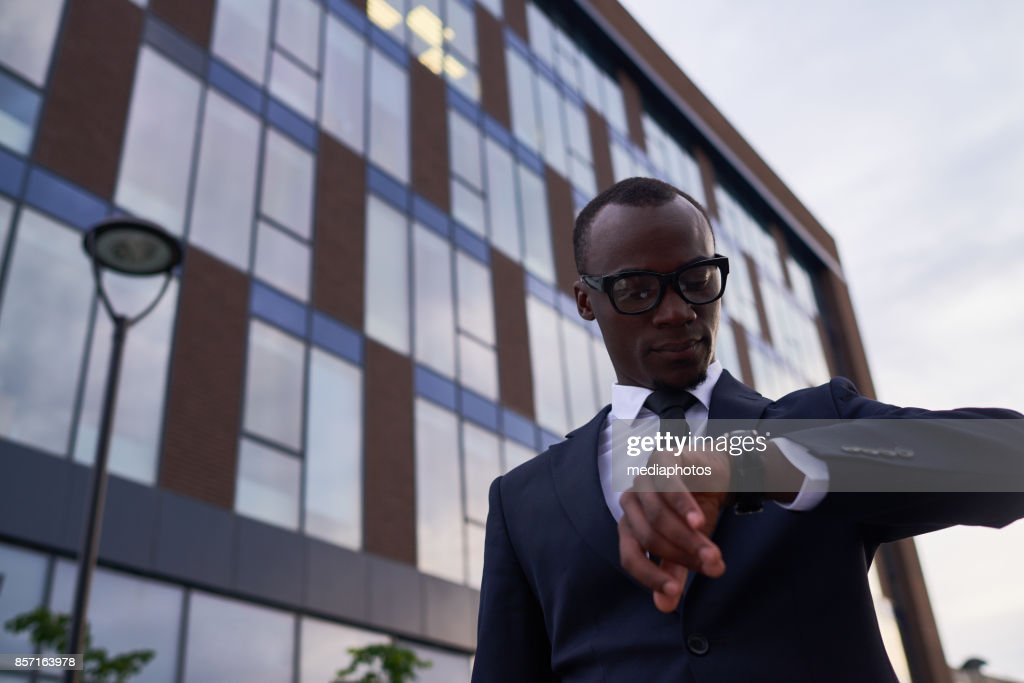 Businessman should be there on time : Stock Photo