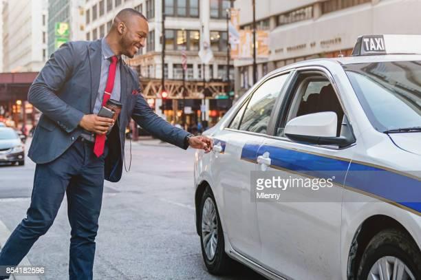タクシーに乗ってシカゴの実業家