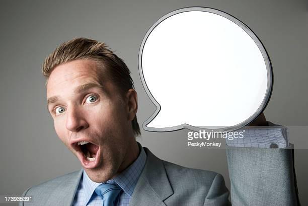 Homme d'affaires parler avec bulle de dialogue