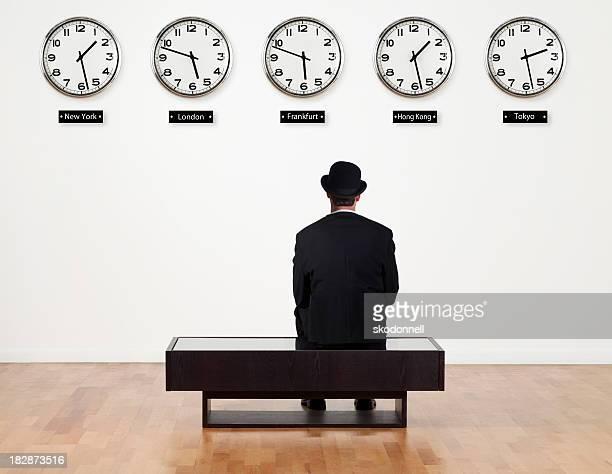 Homme d'affaires en attente pour quelque chose