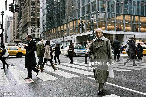 歩行の実業家の Park Avenue New York