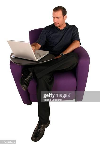 Homem de negócios com computador portátil