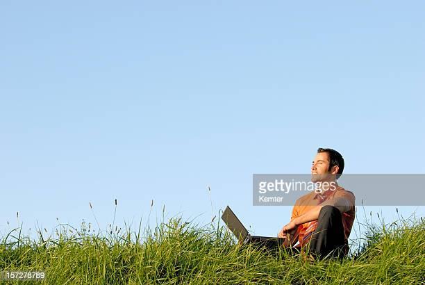 ビジネスマンの仕事草地