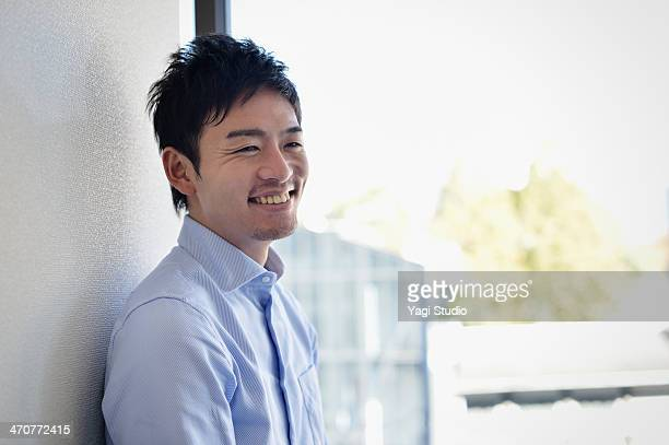 businessman working in office - nur japaner stock-fotos und bilder