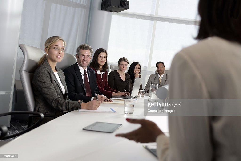 Businesspeople in meeting : Stockfoto
