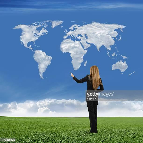 Geschäftsfrau und Welt Karte