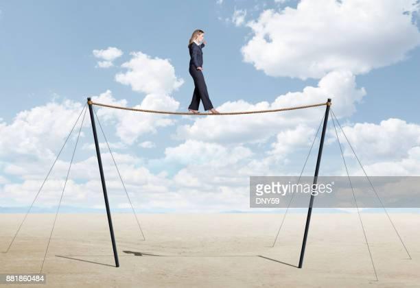 綱渡りの分散実業家