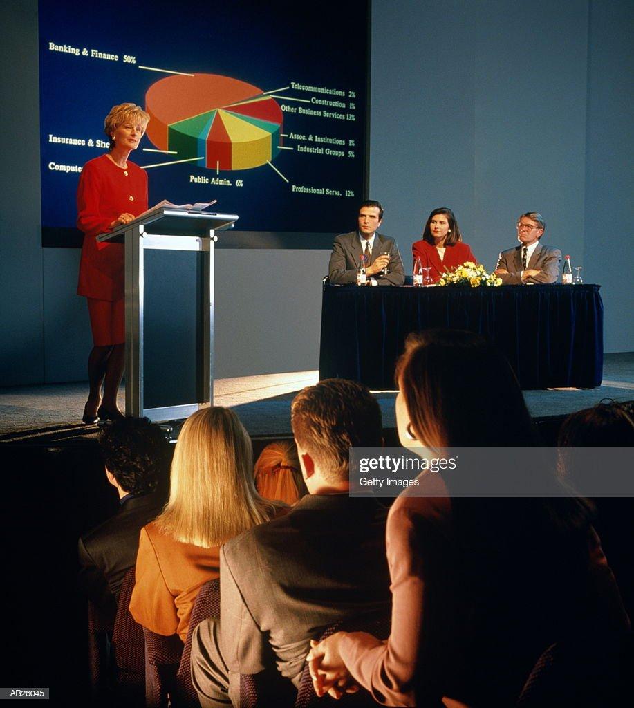 Businesswoman giving presentation : Stockfoto