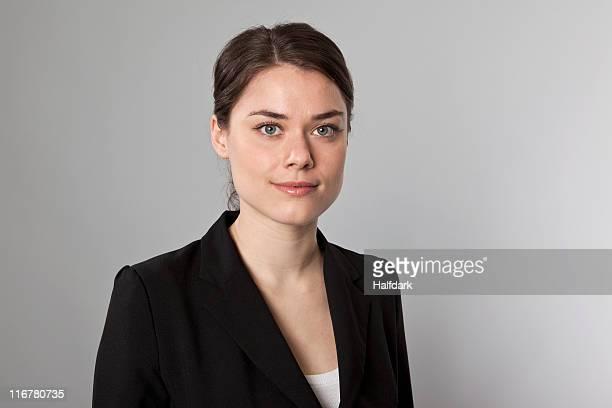 a businesswoman, head and shoulders, portrait - 20 24 anos imagens e fotografias de stock