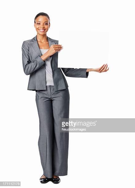 Geschäftsfrau hält eine leere Schild-isoliert
