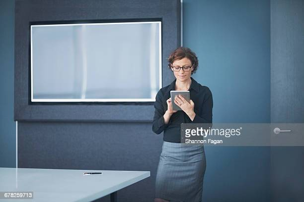 Businesswoman using smart tablet computer