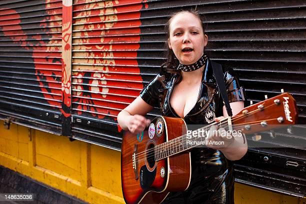 Busker performing on Fleet Street in Temple Bar.
