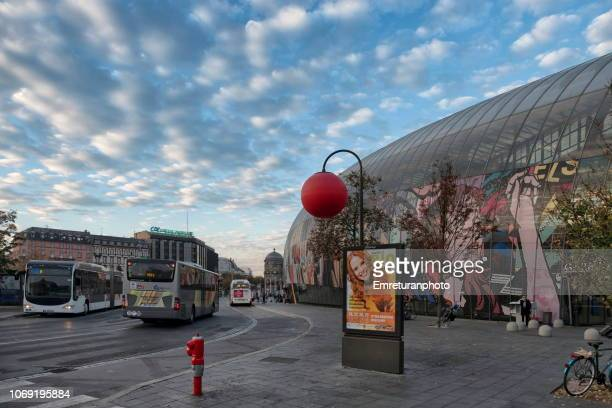 busses in front of strasbourg train station in the morning. - emreturanphoto stock pictures, royalty-free photos & images