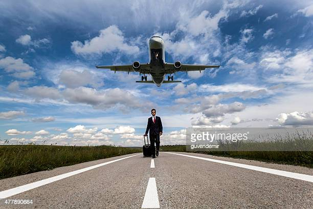 bussiness travel - landing touching down stock pictures, royalty-free photos & images