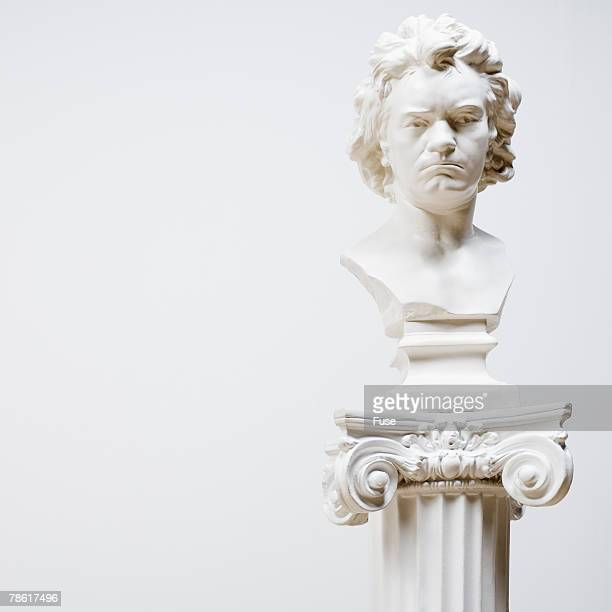 bust at art gallery - sculptuur stockfoto's en -beelden
