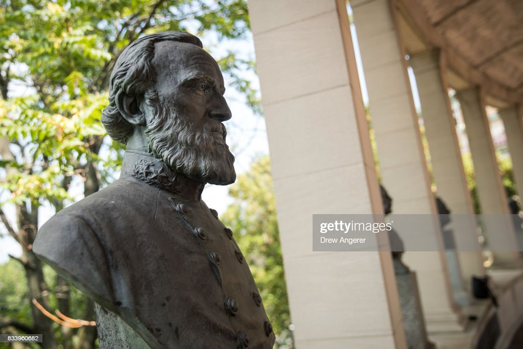 A bust of Confederate general Stonewall Jackson stands in the 'Hall of Fame for Great Americans' on the campus of Bronx Community College, August 17, 2017 in the Bronx borough of New York City. On Wednesday night, the school announced the statues of Robert E. Lee and Confederate general Stonewall Jackson will be replaced and removed.