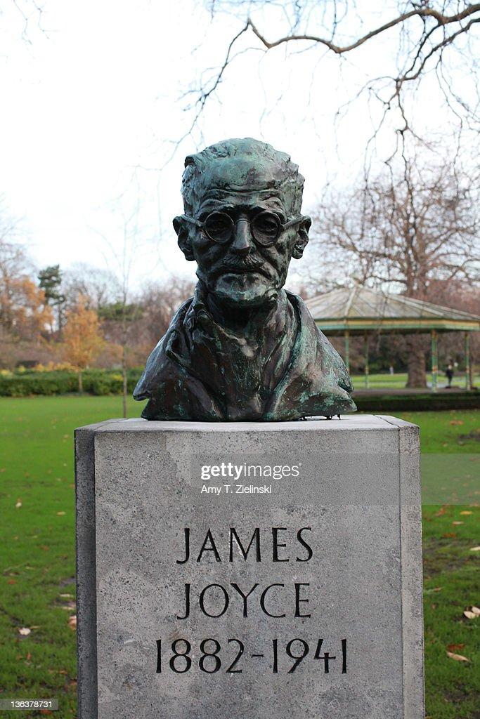 A bust of Irish writer James Joyce (1882 - 1941) in St Stephen's Green, Dublin, 1st December 2011.