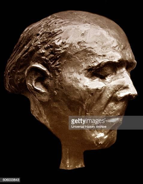 Bust of Walter Gieseking by Walther Wolff Published in 'Die Kunst im deutschen Reich' was first published in January 1937 by Gauleiter Adolf...