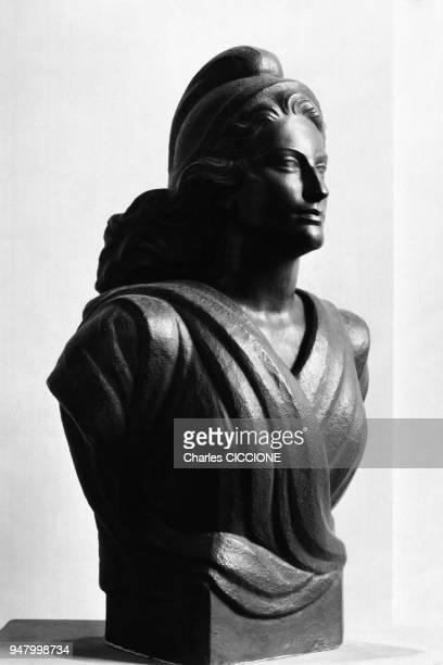 Buste de Marianne dans une mairie en France en 1967
