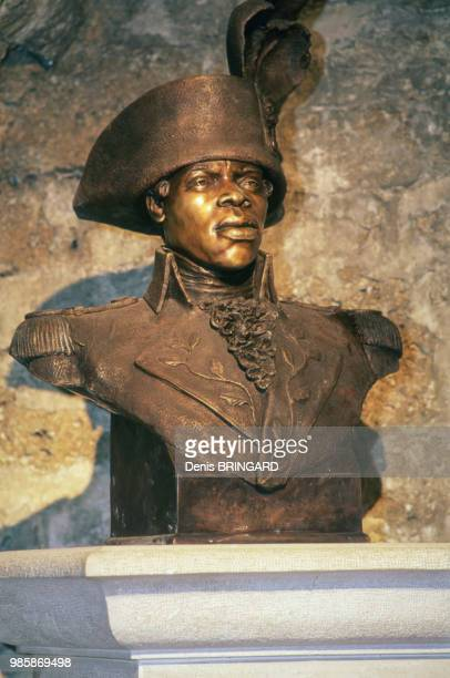 Buste de Toussaint Louverture qui fut emprisonné dans le Fort de Joux à La CluseetMijoux dans le Jura France