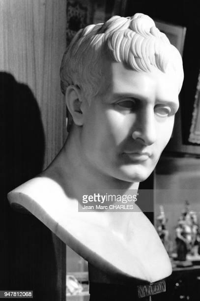 Buste en marbre de Napoléon 1er réalisé par Antonio Canova dans le musée napoléonien à Monaco