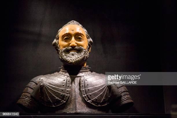 Buste funéraire d'Henri IV attribué à Michel Bourdin vers 1610 exposition 'Le Roi est Mort' le 26 octobre 2015 au Château de Versailles France