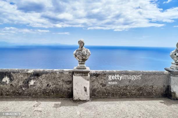 バストと彫刻アマルフィ海岸 - カンパニア州 ストックフォトと画像